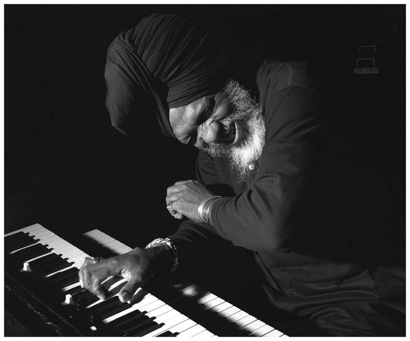 Dr. Lonnie Smith. Photo by Jimmy Katz.